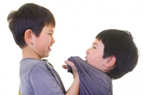 Đừng để con 'chọn cách im lặng' khi bị bắt nạt, bạo lực học đường