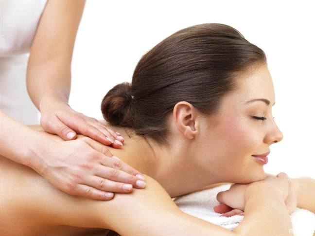 10 loai dau thien nhien massage giup tre hoa lan da