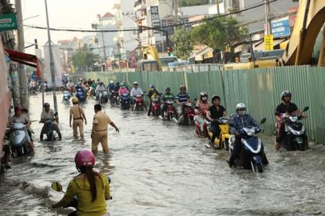 TP.HCM: 13 khu ngập nặng sau đợt triều giữa tháng