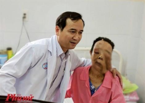 Phẫu thuật thành công bệnh nhân bị hai khối bướu sợi thần kinh 'khủng'