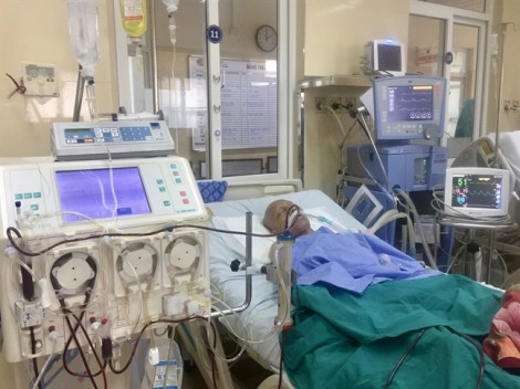 Thay huyết tương cứu sống một bệnh nhân ung thư tuyến ức