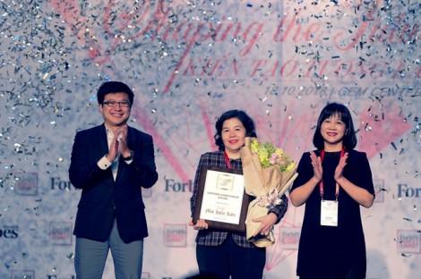 """Tổng giám đốc Vinamilk là người phụ nữ duy nhất được Forbes Việt Nam vinh danh với giải thưởng """"Thành tựu trọn đời"""""""
