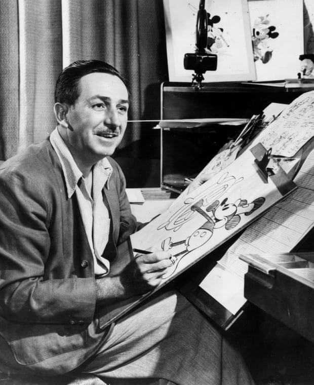 Ben trong thu vien bi an cua Walt Disney