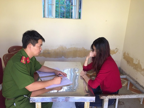 Khoi to 'tu ba' 23 tuoi dieu hanh duong day ban dam cao cap gan mac sinh vien