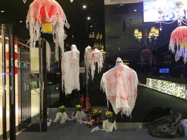 San pham Halloween 2018 chu trong do ma quai va tien dung