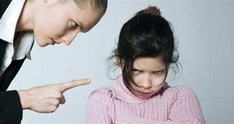 Ứng xử của cha mẹ khi con ăn cắp tiền giúp con nên người