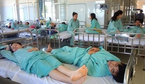 Đồng Nai: Ăn đậu hũ có mùi hôi, 99 công nhân nhập viện