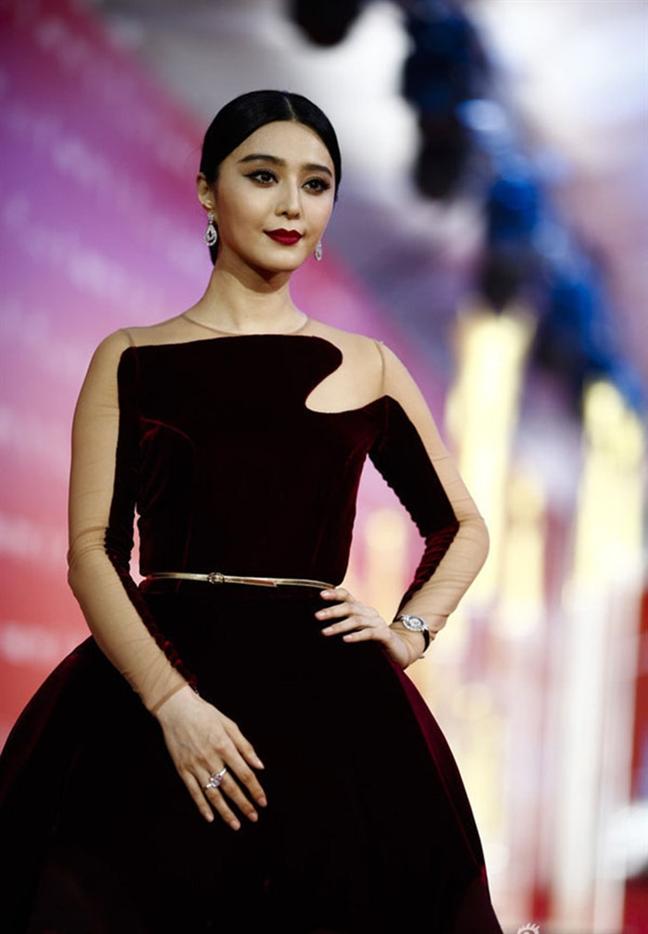 My nhan chau A xuong sac tham hai vi loi make up