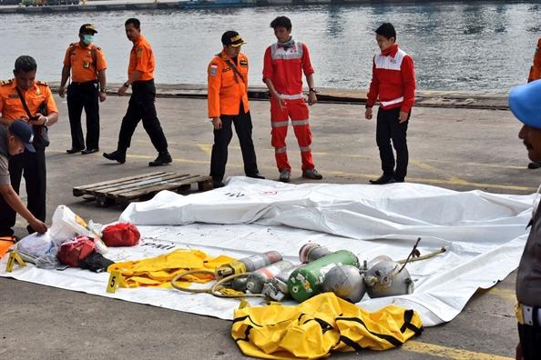 Vu roi may bay Indonesia: May bay Lion Air 'bay bat thuong' truoc ngay gap nan