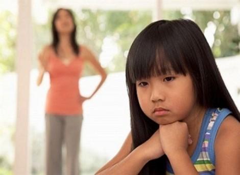 Đừng làm tổn thương con vì những câu nói vô tình