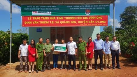 FE CREDIT trao tặng nhà tình thương, đồng hành cùng người dân nghèo tại tỉnh Đắk Nông