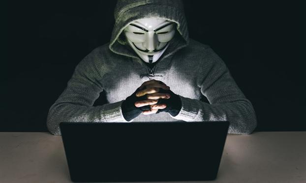 Facebook nguoi noi tieng dang la 'moi ngon' cho hacker