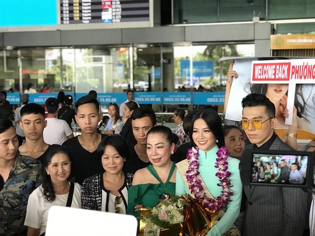 Me Hoa hau Phuong Khanh: 'O tuoi nay, toi con phai hoc o Khanh'