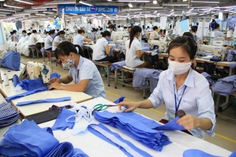 TP.HCM: Đề nghị không để người lao động bị nợ lương, thưởng cuối năm