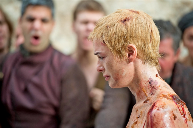 Phia sau cac canh nong trong 'Game of Thrones'