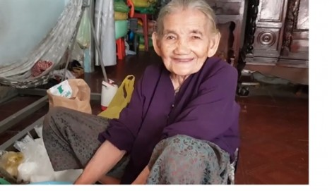 93 tuổi vẫn 'làm bánh bán chơi'