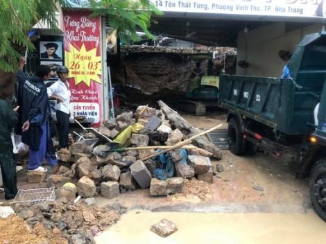 Sạt lở kinh hoàng ở Nha Trang, 12 người chết