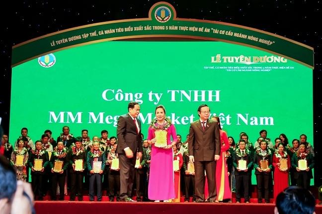 Cong ty MM Mega Market Viet Nam duoc vinh danh 'Doanh nghiep vi nha nong'