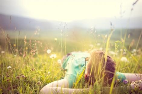 'Mong em cười nói nhẹ nhàng thảnh thơi'