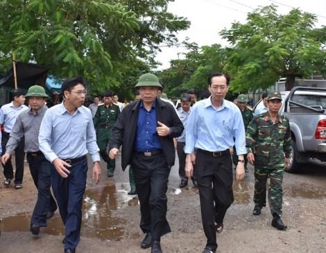 Bộ trưởng Bộ NN&PTNN kiểm tra công tác ứng phó bão tại Cần Giờ