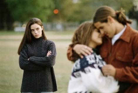 Trận đánh ghen đã đẩy chồng tôi về phía nhân tình