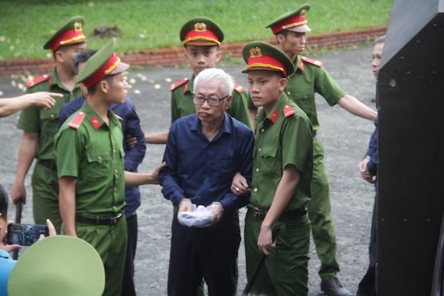 Vu 'nhom' keu oan trong vu an Ngan hang Dong A