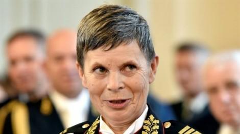 Nữ tướng đầu tiên làm tổng tham mưu trưởng quân đội một nước NATO