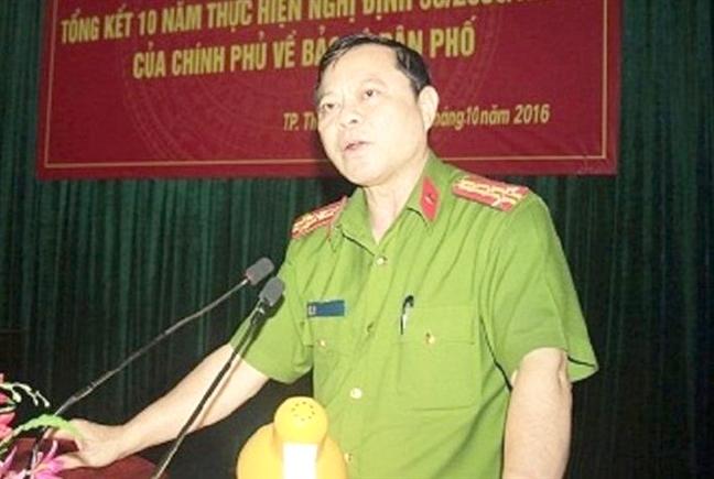Dinh chi truong cong an TP.Thanh Hoa bi to nhan 260 trieu dong chay an