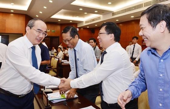 Bi thu Thanh uy Nguyen Thien Nhan de nghi lap to cong tac den bu, tai dinh cu