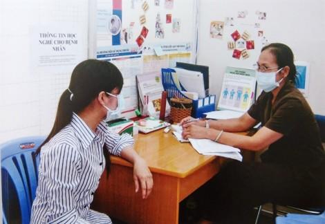 TP.HCM mua thẻ bảo hiểm y tế cho bệnh nhân HIV/AIDS tạm trú trên 6 tháng