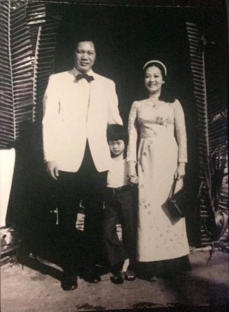 Con trai NSƯT Thanh Nga - diễn viên Hà Linh: 'Mẹ sẽ hài lòng vì tôi không ngừng phấn đấu'