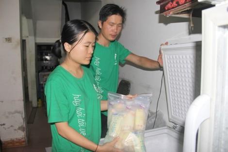 'Ngân hàng' 100 túi sữa mẹ miễn phí mỗi ngày của người vợ trẻ