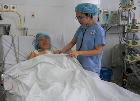 Bác sĩ thuyết phục cả gia đình để đưa người bệnh từ cõi chết trở về
