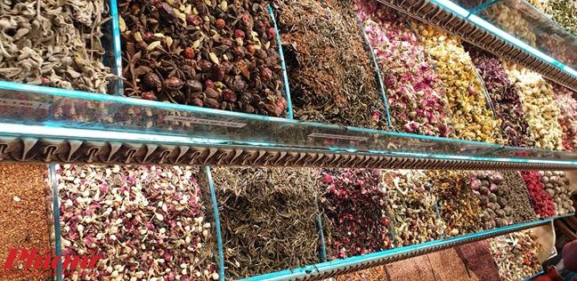 Chim dam sac mau o cho gia vi Spice Bazaar cua Tho Nhi Ky