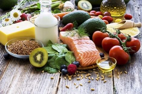 Tư vấn dinh dưỡng: Chỉ ăn mỗi ngày 1 chén cháo, làm sao bé đủ dinh dưỡng?
