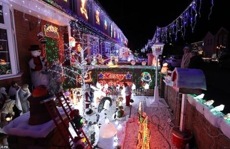 Bất đồng khiến con đường Giáng sinh đẹp nhất nước Anh thành 'tranh tối tranh sáng'