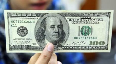 Chủ tiệm vàng không khiếu nại khi bán 100 USD bị phạt 40 triệu đồng