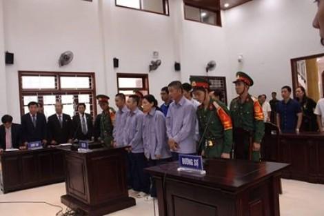Quân khu 5 xét xử vụ buôn lậu gần 5 triệu lít dầu tại cảng Cam Ranh