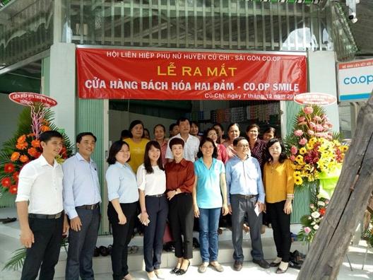 Huyen Cu Chi: Ra mat cua hang lien ket – binh on thi truong