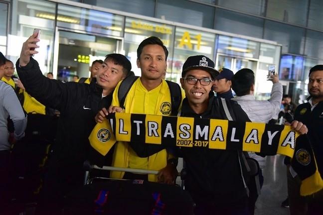 Truoc tran chung ket luot ve AFF Cup 2018: HLV Malaysia thua nhan 'cua kho', cau thu lai rat tu tin
