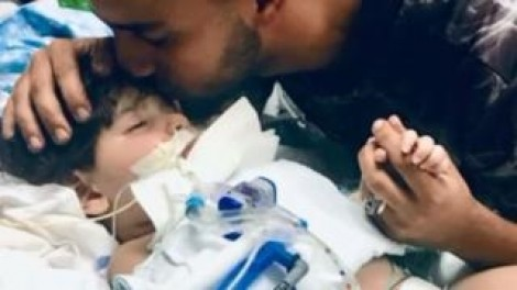 Mỹ không cho người mẹ Yemen đến California nhìn con lần cuối
