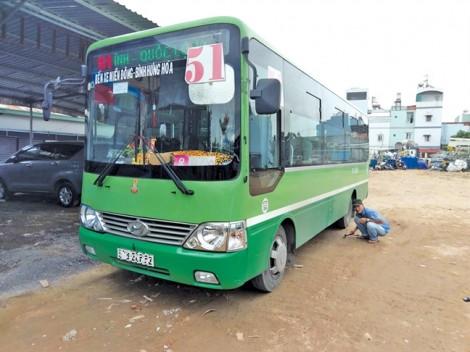 Xe buýt có thể tiếp tục gây 'lạnh lưng' vì hợp tác xã lèm nhèm tài chính