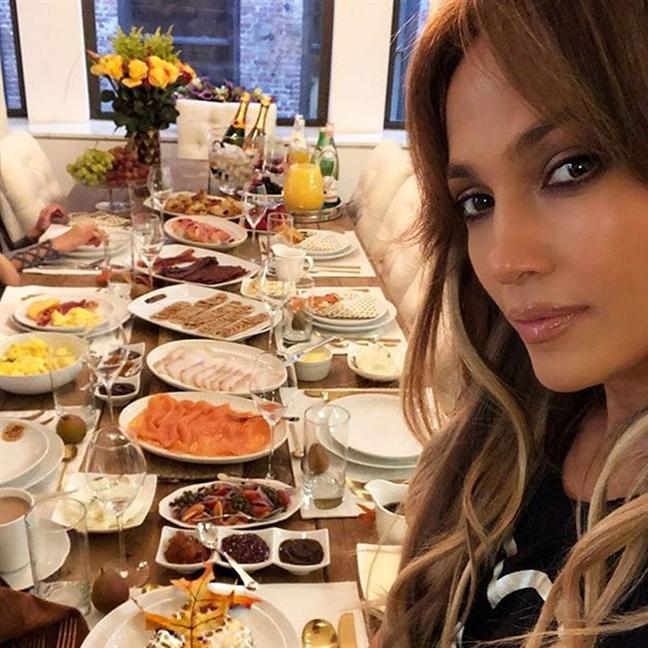 Bi mat cho ve dep khoe khoan cang day suc song cua Jennifer Lopez