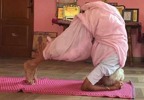 Người phụ nữ 98 tuổi truyền cảm hứng yoga cho thế hệ trẻ khắp thế giới