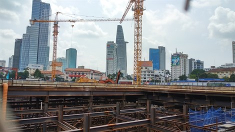 Tường vây của tuyến metro số 1 bị giảm độ dày từ 2m xuống 1,5m dù chưa được phê duyệt