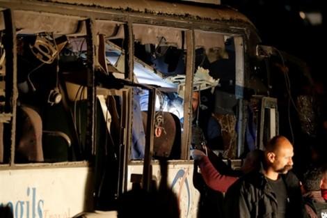 Vụ đánh bom tại Ai Cập: Việt Nam đề nghị xác minh thông tin 3 du khách Việt tử nạn