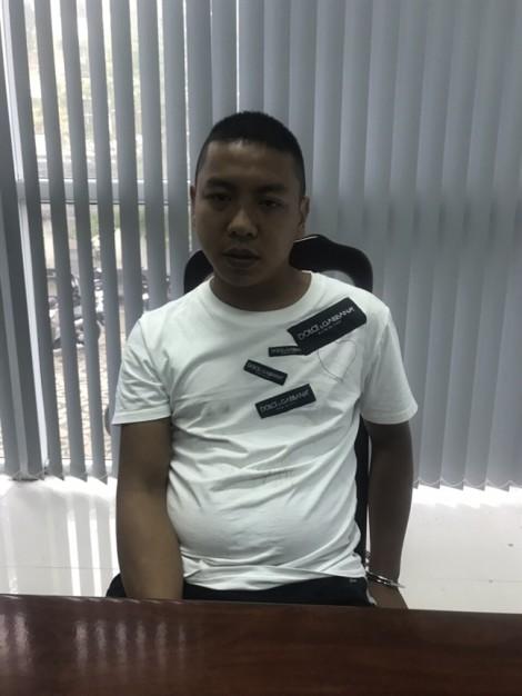 Đà Nẵng: Người dân bắt tên giật điện thoại của khách Trung Quốc