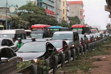 Nhiều tuyến đường về Hà Nội ách tắc vào ngày cuối đợt nghỉ lễ