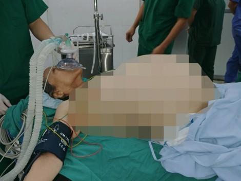 Bệnh viện Quận Thủ Đức cứu sống cụ bà 70 tuổi mang khối u 20kg trong bụng