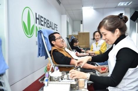 Thành viên độc lập và nhân viên Herbalife Việt Nam hưởng ứng mạnh mẽ ngày hiến máu tình nguyện